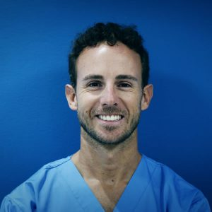 Dr. Luis Cardona